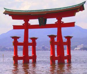 Itsukushima-Torii-japan