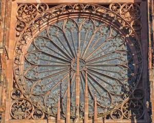 Rozeta de la Catedrala Notre-Dame de Strasbourg